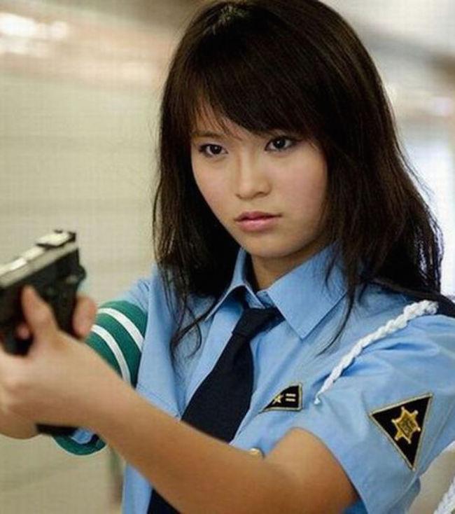 policieres-monde-13