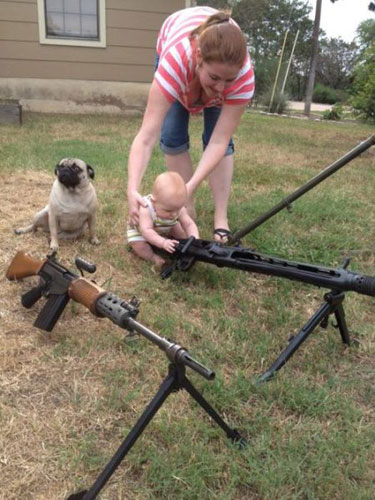 worst-mom-baby-machinegun